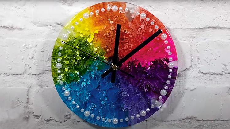Часы в технике Petri Art