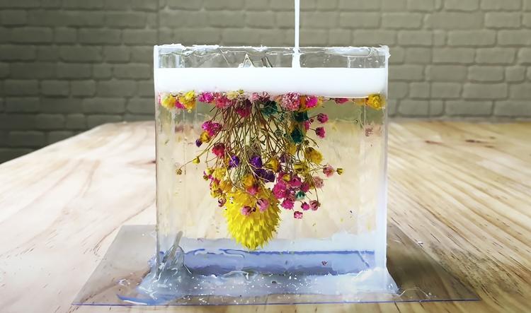 Сухие цветы в смоле