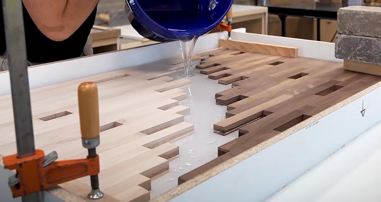 Заливка стола